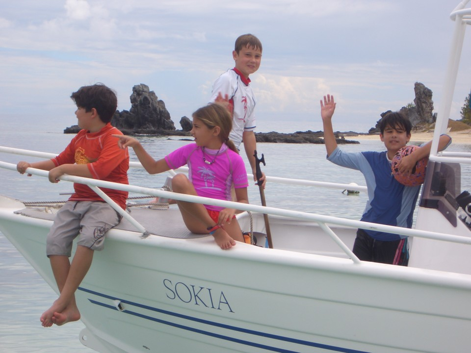 Kid's Boat: Diving in Fiji