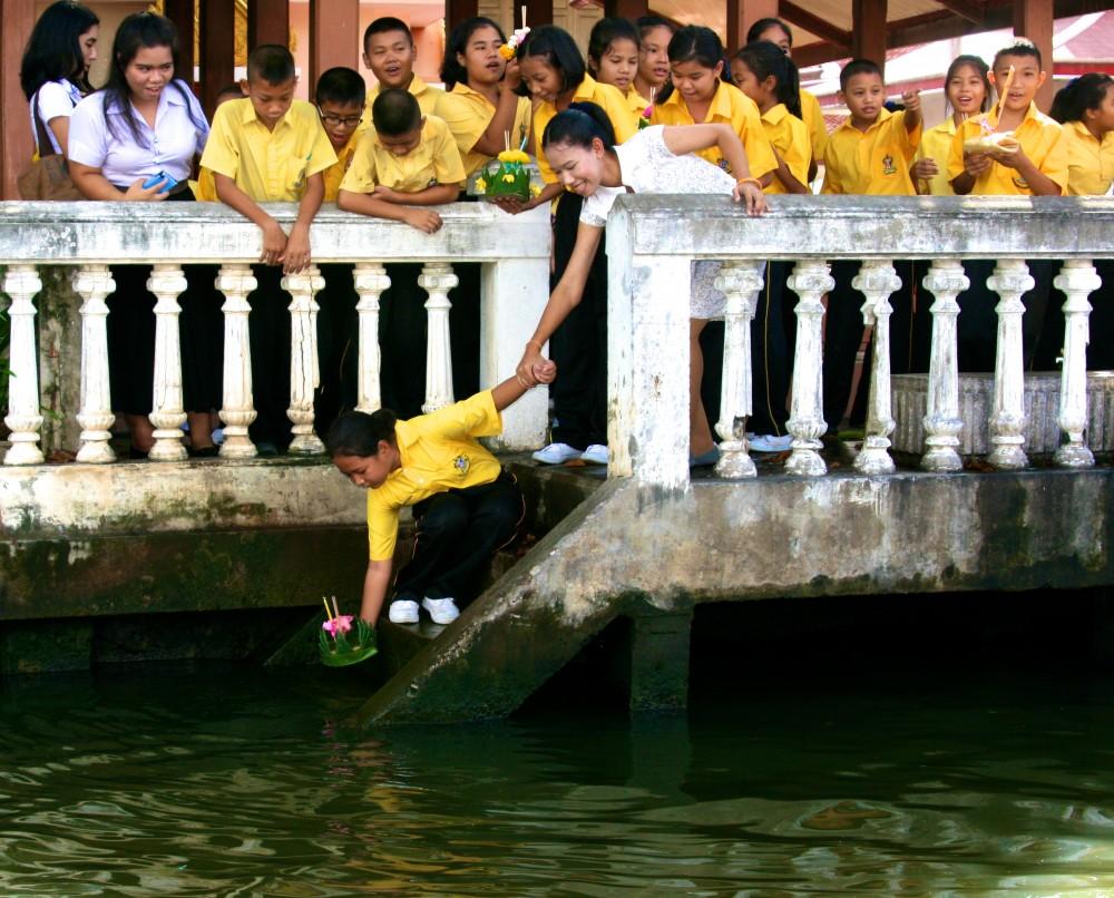 Chao Phraya River Cruise, Bangkok river Cruise, Thailand Trip