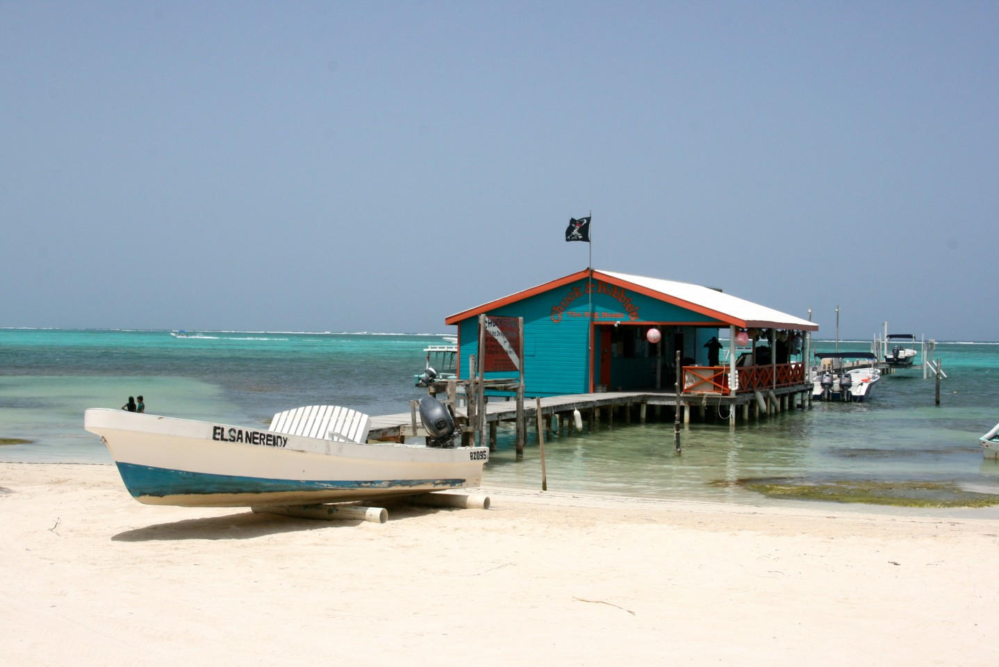 Chuck & Robbie's Dive Shop - Ambergris Caye, Belize