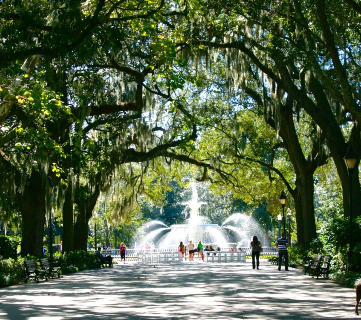 Visit Forthsyth Park: Things to do in Savannah