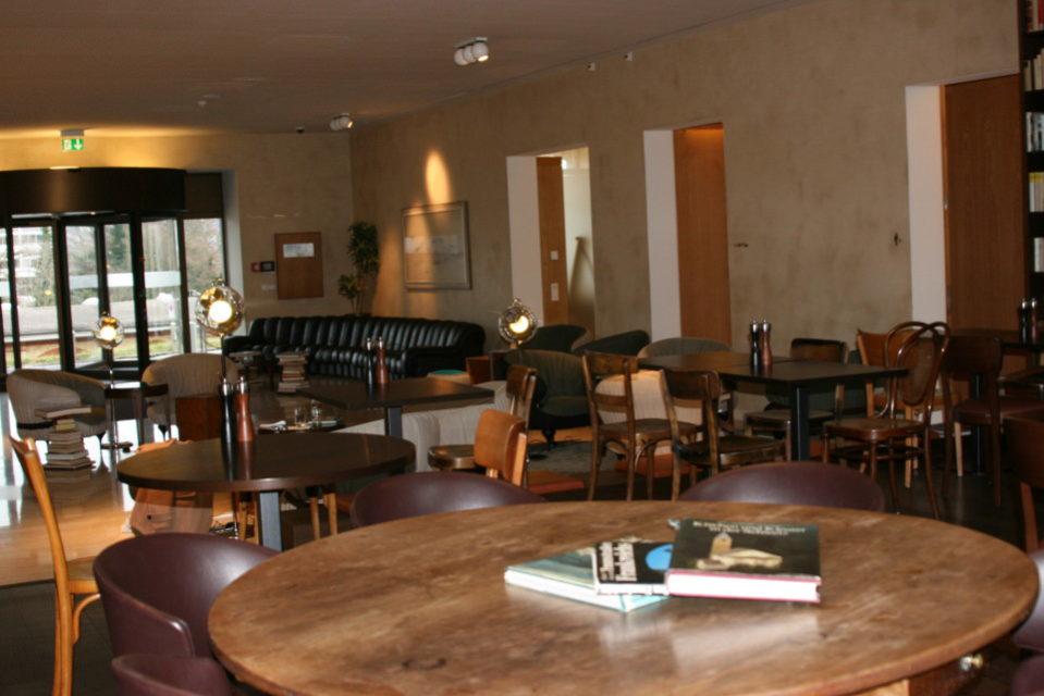 Swanky library hotel zurich switzerland for Swanky hotel