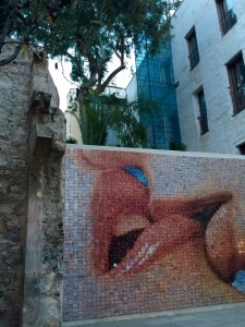 The Kiss, Where to go in Barcelona, Gothic Quarter, Barcelona Spain, Catedral de Barcelona, Cathedral of Barecelona
