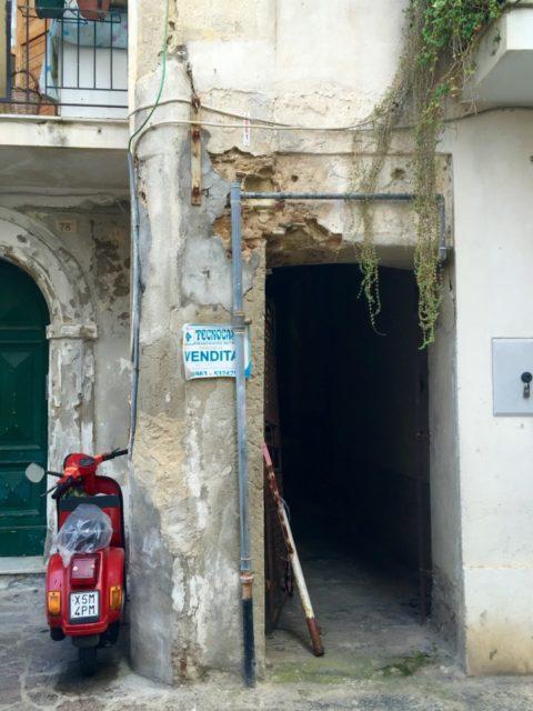 Pizzo, Italy, Street scene Pizzo, Italy, south italy, Italian Gelato, Tartufo, Unique Italian Gelato Culture