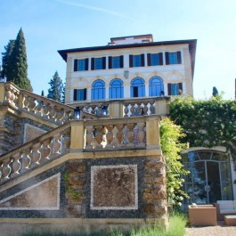 Come along with me to hotel Firenze il Salviatino for an amazing luxury villa experience overlooking Florence, Italy. Firenze hotel.