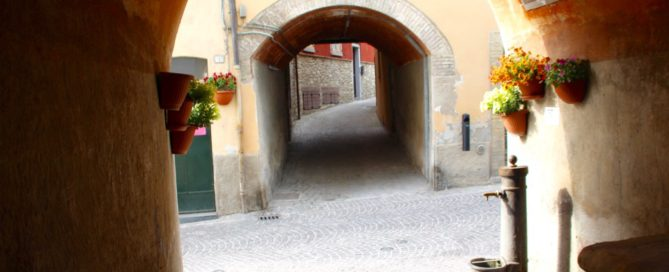 Italy Vacations: Come along with me to the mountainous Marche region to find some things to do in Italy and have some authentic Italian experiences.