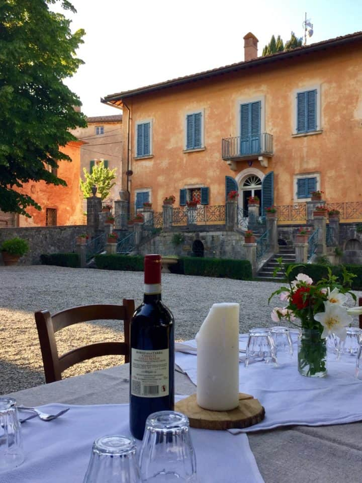 Come along with me as I explore on my Italian vacation at the luxury farmhouse called Montestigliano. It is the dream that Italian vacations are made from!