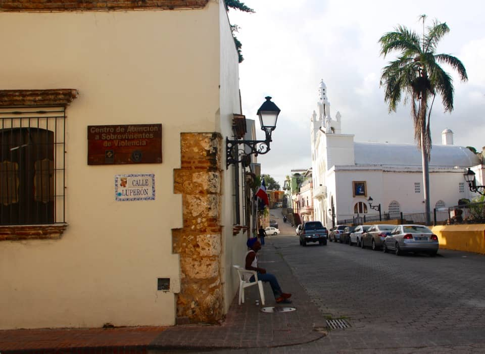 Come along with me as I wander the streets of Santo Domingo and introduce you to Dominican Republic culture and Dominican Republic things to do.