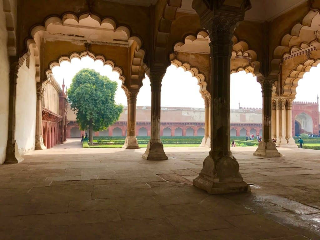 Agra Fort, Tourist places in India, Tourist places in North India, Famous places in India, Tourist spots in India