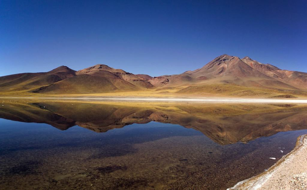 Laguna Miscanti Antofagasta, Chile, Time in Chile, Best Time to Visit Chile, Chilean restaurant, Chilean food