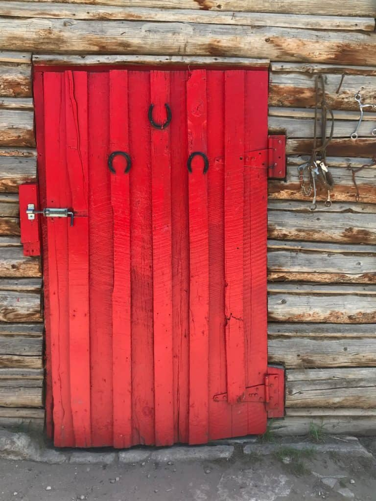 red door, Dude ranch Colorado, what is a dude ranch, Colorado Ranch, horseback riding vacations, dude ranch
