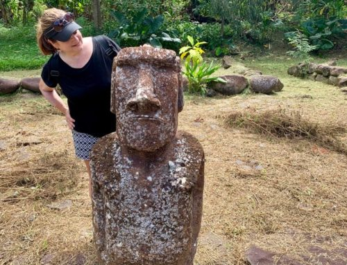 Nuku Hiva: Tiki's and A Moai