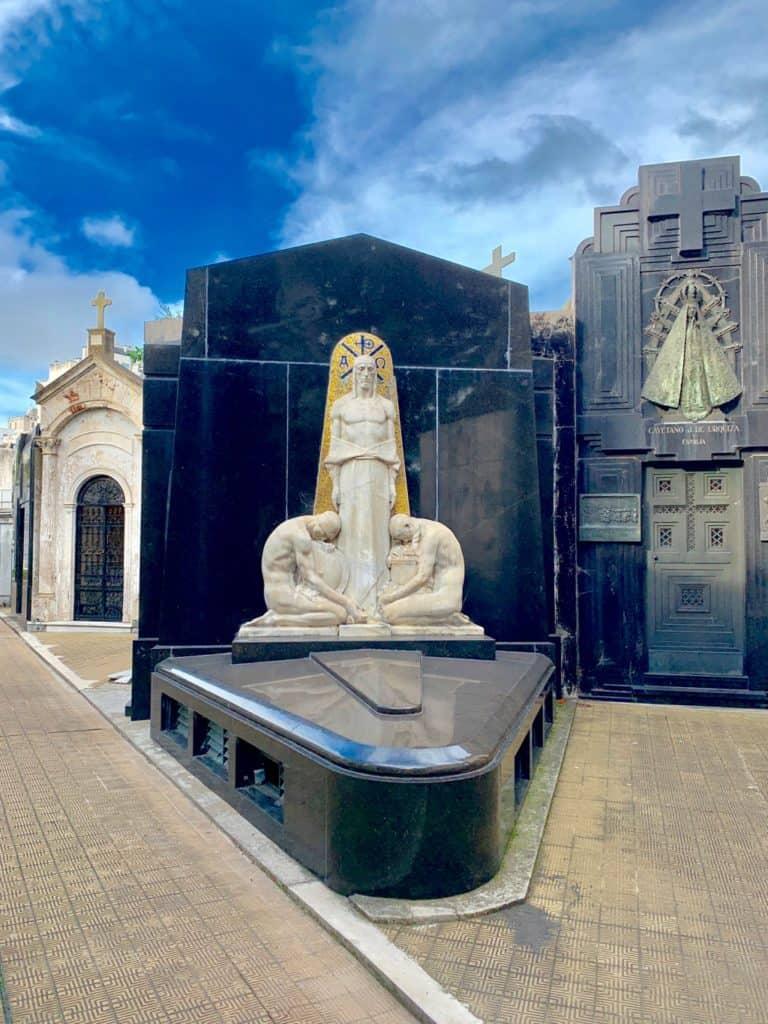 Buenos Aires Cemetery, La recoleta Cemetery, Recoleta Cemetery, la recoleta cemetery burials,
