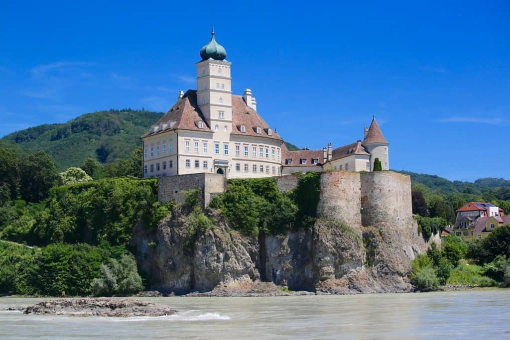 river cruise Europe review, Danube River Cruise Review, best river cruises, European river cruise lines, riverboat cruise, #RiverCruiseEurope #DanubeRiver #EuropeCruise #RiverCruises