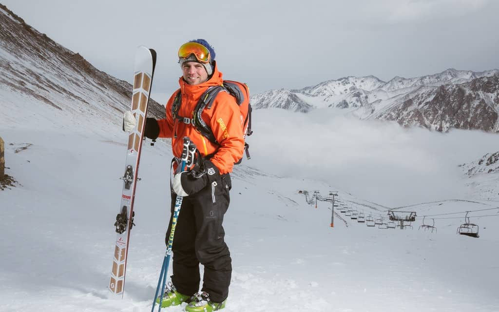 What to Pack for a Ski Trip, ski packing list, ski list packing trip, essentials for skiing, skiing essentials, packing list for ski trip, packing list ski trip, what to pack for ski trip #ski #Pack #Snowboard