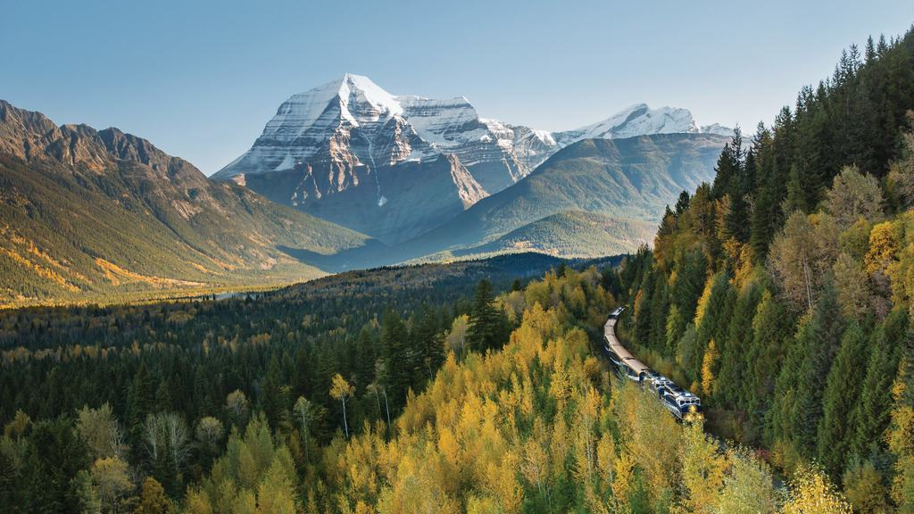 Everything you need to know about riding the rocky mountaineer train in Canada, things to know about Rocky Mountaineer, #RockyMountaineer, #Canada #CanadianRockies