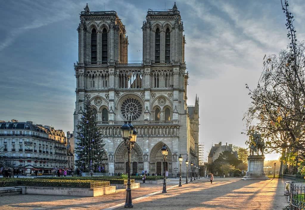 famous French landmarks, landmarks in France, French landmarks, French monuments, France landmarks, monuments in France, #Landmarks #French #France
