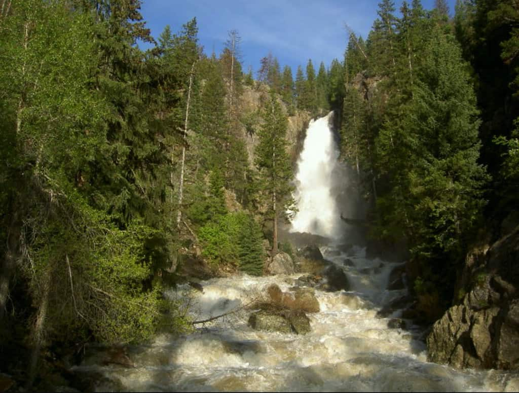 Waterfall hikes near Denver, waterfalls near Denver, best waterfall hikes near Denver, #Denver #Colorado