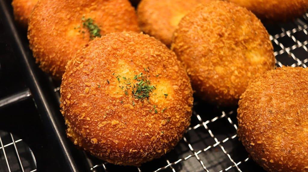 authentic Italian recipes. Italian snacks, appetizers in Italy, #Italian #iItaly