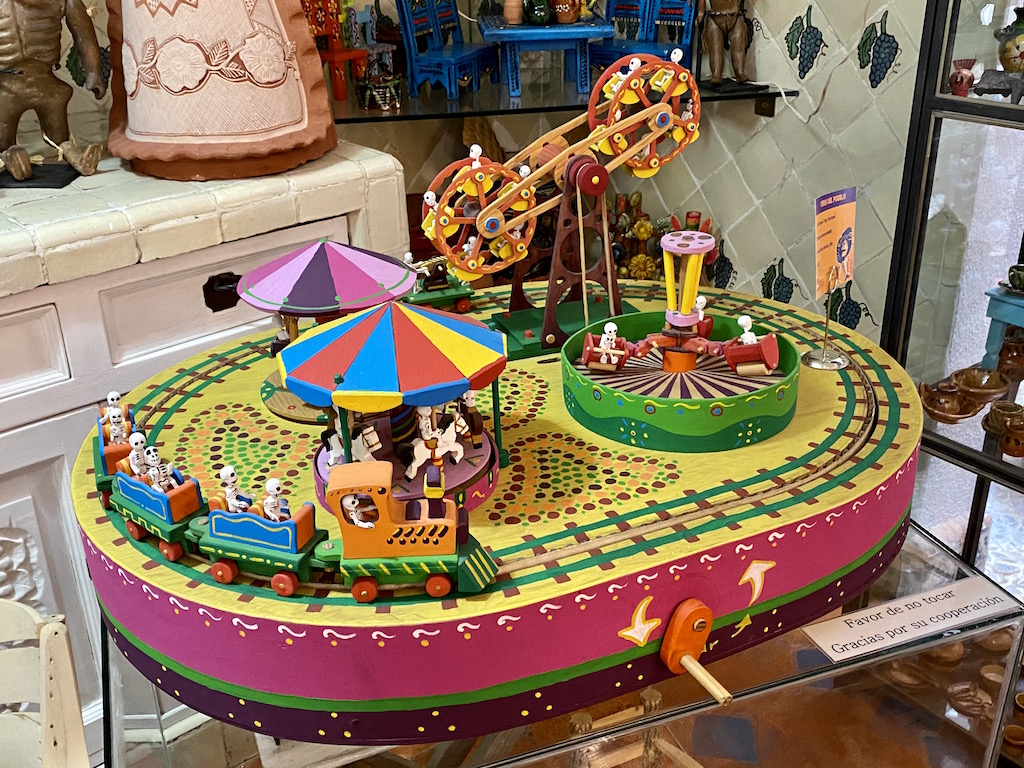 Mexico toy, toy museum, la esquina, mexican toy museum