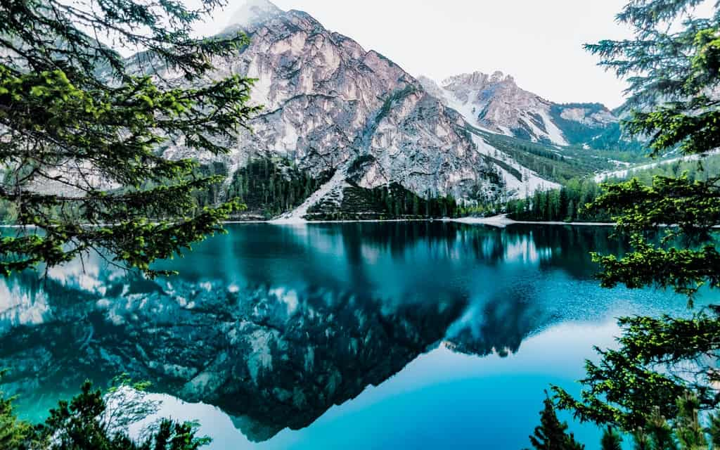 deepest lake of the world, deepest lake in the world, deepest lakes in the world, the deepest lake of the world, deepest lake in the us