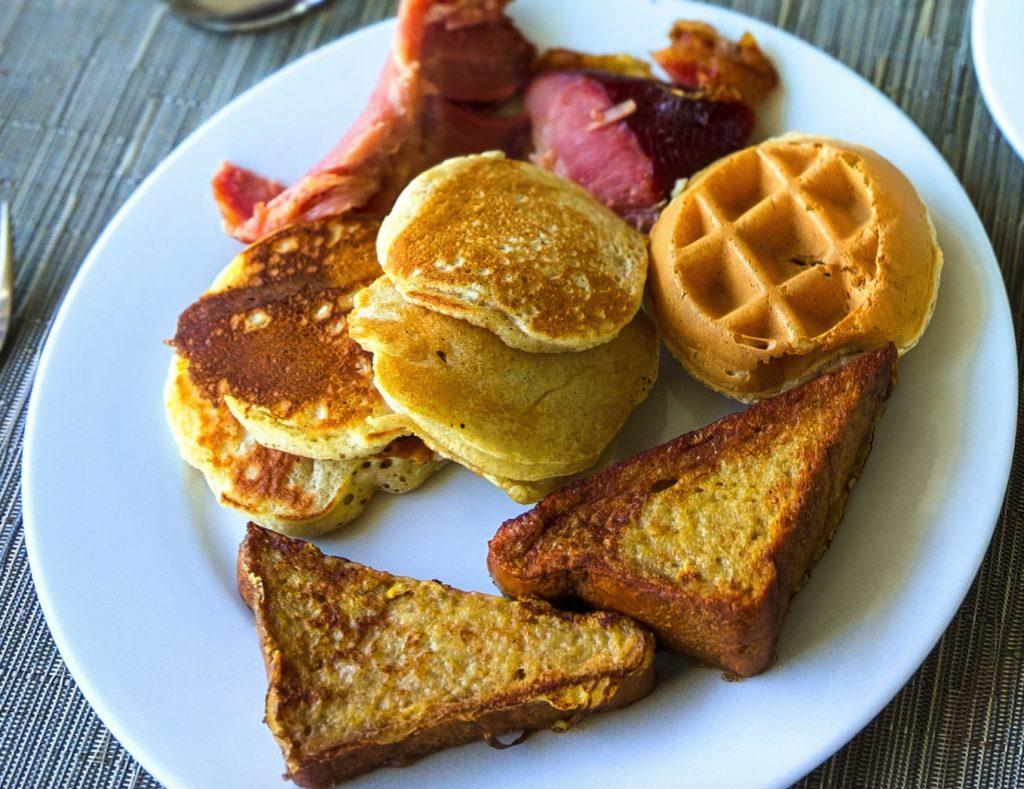 Jamaican Breakfast, Bammy, Jamaican Food, Jamaican dish, Jamaican cuisine