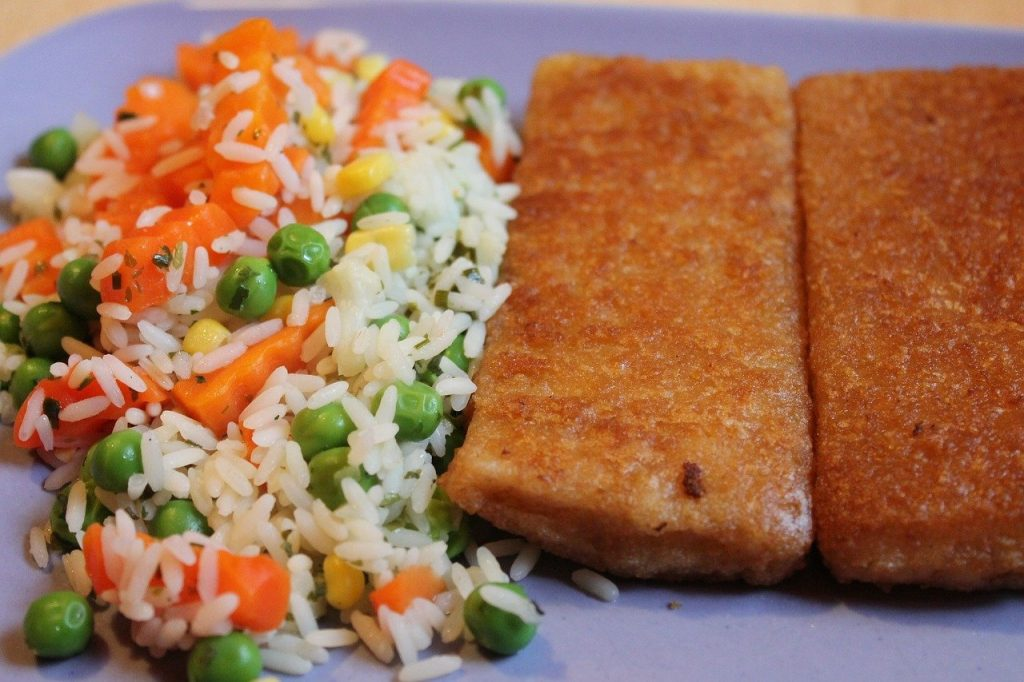 Fried Fish with Rice and peas, Jamaican food, Jamaican cuisine, Jamaican Dishes, Jamaican Breakfast