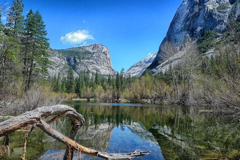 mirror-lake-Yosemite National Park