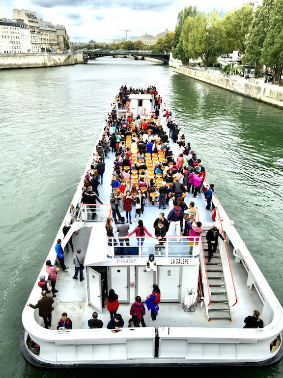 River Cruise along the Siene River in Paris France