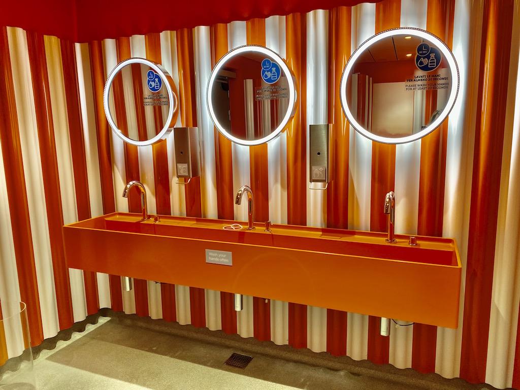 Bathroom on Costa Smeralda